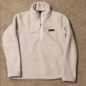 White Patagônia jacket
